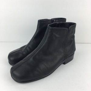 Aerosoles Short Black Boots